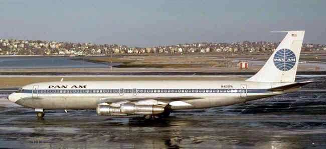 Boeing 707.300 da Pan Am, no Galeão - Rio de Janeiro (www.portalbrasil.eti.br)