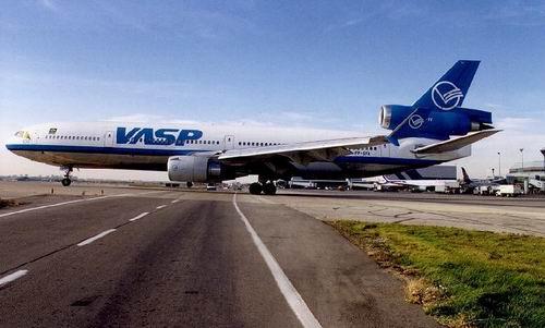 Douglas MD-11 da VASP, em Toronto, Canadá - 25.10.1999